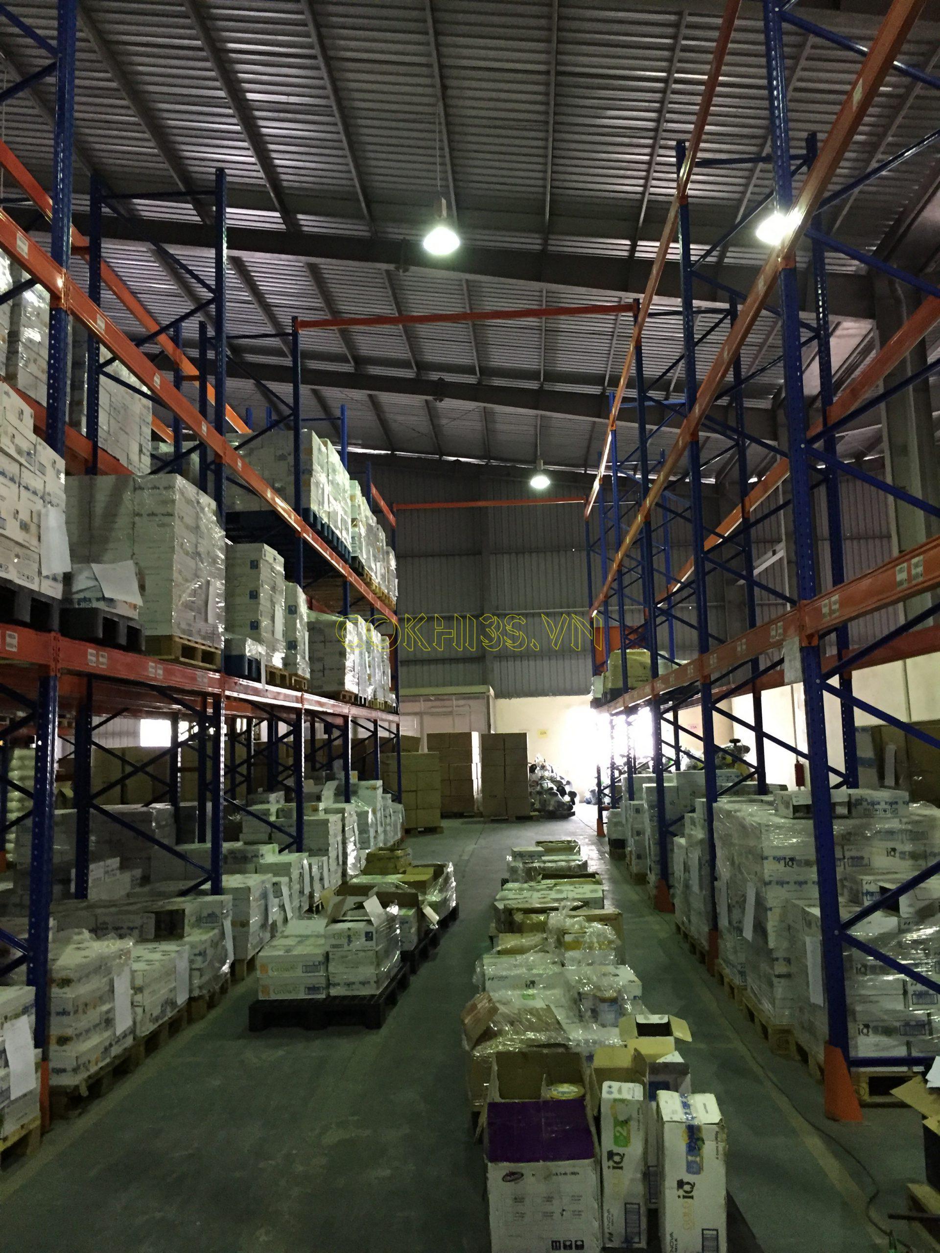 Lắp đặt hệ thống kệ hạng nặng trong kho công nghiệp 3