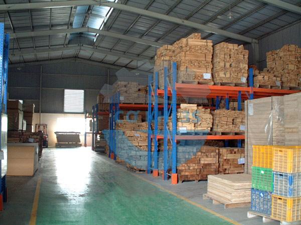 Kệ để gỗ ép công nghiệp